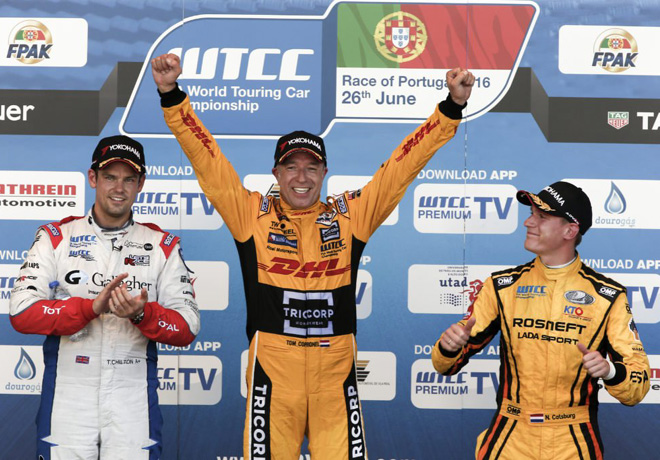 WTCC - Vila Real - Portugal 2016 - Carrera 1 - Tom Chilton - Tom Coronel - Nicky Catsburg en el Podio
