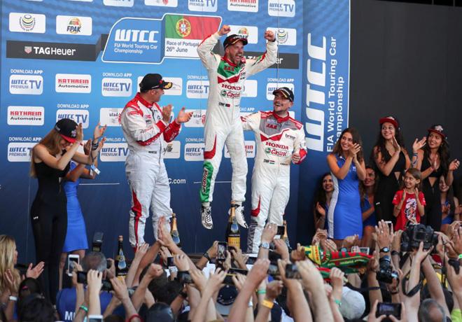 WTCC - Vila Real - Portugal 2016 - Carrera 2 - Yvan Muller - Tiago Monteiro - Norbert Michelisz en el Podio