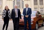 FCA firmo un acuerdo con el gobierno de la provincia de Santa Fe y dono 2 autos a escuelas tecnicas 3