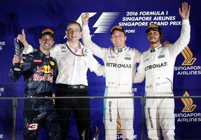 f1-singapur-2016-carrera-daniel-ricciardo-nico-rosberg-lewis-hamilton-en-el-podio