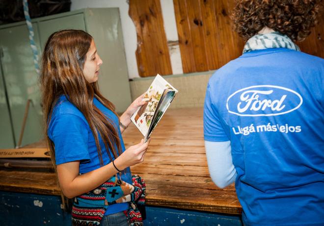 ford-argentina-apoya-a-la-fundacion-leer-durante-la-maraton-nacional-de-lectura-1