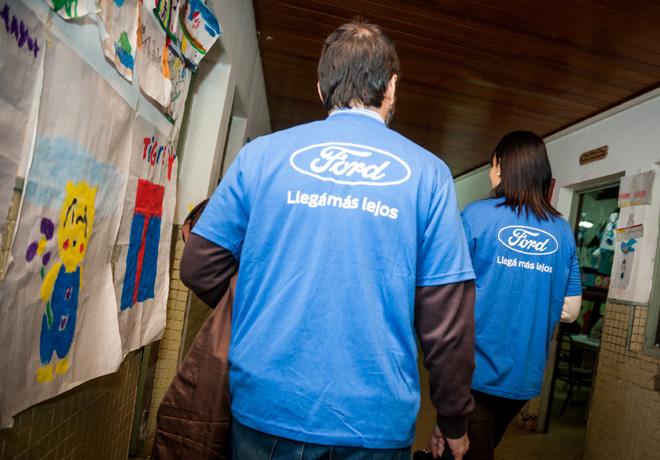 ford-argentina-apoya-a-la-fundacion-leer-durante-la-maraton-nacional-de-lectura-2