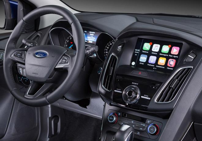 Ford muestra la evolucion de la telefonia y su influencia para los vehiculos 2