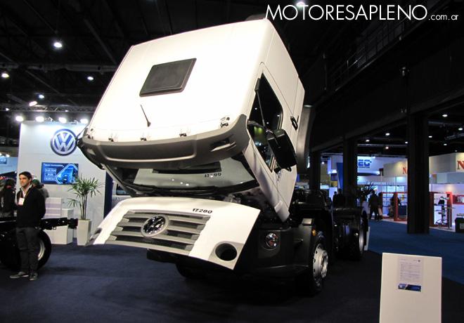 la-division-camiones-y-buses-de-volkswagen-esta-presente-en-expotransporte-2016-2