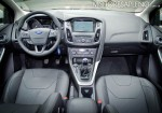 ford-focus-se-hatchback-2