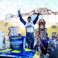 nascar-martinsville-2016-jimmie-johnson-en-el-victory-lane