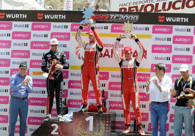 stc2000-san-juan-2016-final-facundo-chapur-esteban-guerrieri-matias-rossi-en-el-podio