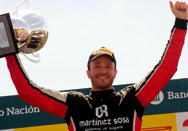 top-race-rio-cuarto-2016-carrera-agustin-canapino-en-el-podio