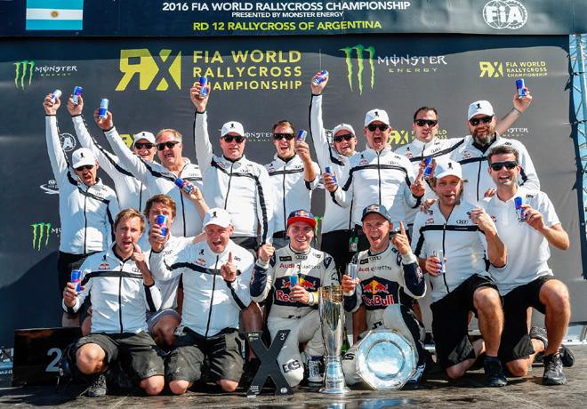 audi-mattias-ekstrom-y-el-equipo-eks-campeones-del-mundo-en-el-rallycross-2