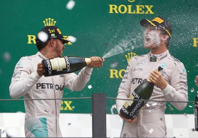 f1-brasil-2016-carrera-lewis-hamilton-y-nico-rosberg-en-el-podio
