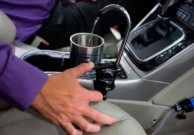 ford-presenta-un-sistema-que-produce-agua-potable-derivada-del-aire-acondicionado-del-auto