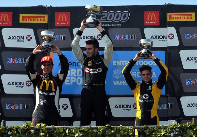 tc2000-rio-cuarto-2016-carrera-sprint-martin-moggia-santiago-mallo-manuel-luque-en-el-podio