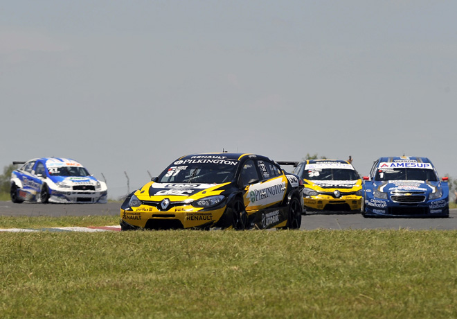 tc2000-parana-2016-carrera-final-manuel-luque-renault-fluence