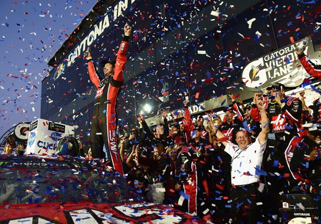 NASCAR - Daytona 2017 - Kurt Busch en el Victory Lane