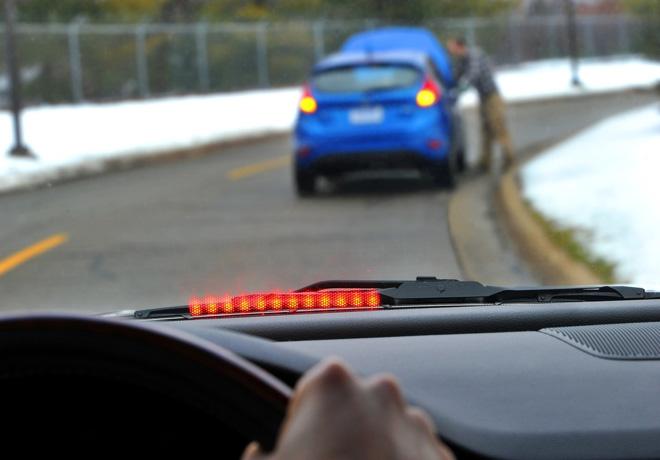 Los vehiculos inteligentes de Ford promueven la conduccion segura previendo el comportamiento de los conductores - Alerta de accidente