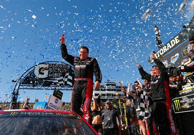 NASCAR - Phoenix 2017 - Ryan Newman en el Victory Lane