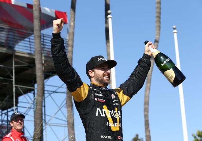 IndyCar - Long Beach 2017 - Carrera - James Hinchcliffe en el Victory Lane