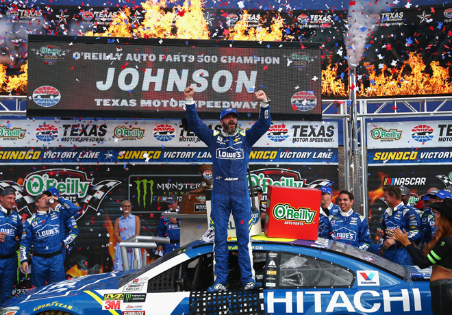 NASCAR - Texas 2017 - Jimmie Johnson en el Victory Lane