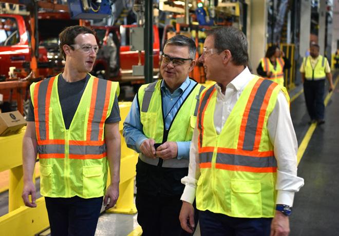 Ford Motor Company recibio la visita de Mark Zuckerberg 2