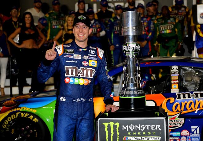 NASCAR - Charlotte 2017 - All Star Eace - Kyle Busch en el Victory Lane