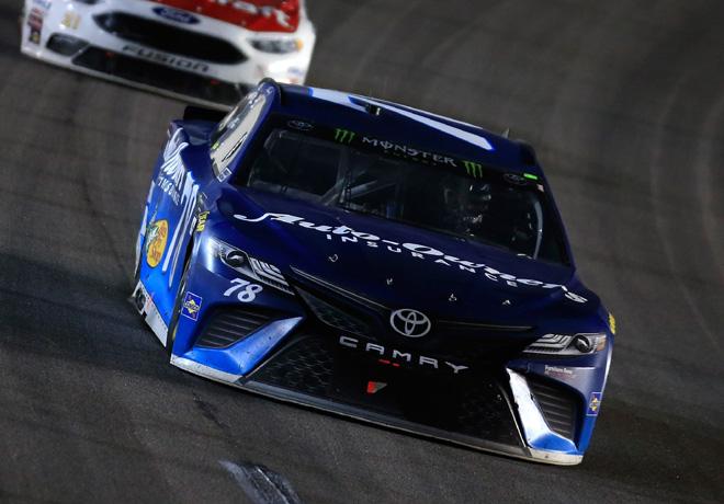 NASCAR - Kansas 2017 - Martin Truex Jr - Toyota Camry