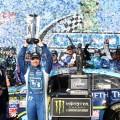 NASCAR - Talladega 2017 - Ricky Stenhouse Jr en el Victory Lane