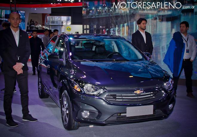 Chevrolet Prisma en el Salon del Automovil de Buenos Aires 2017 2