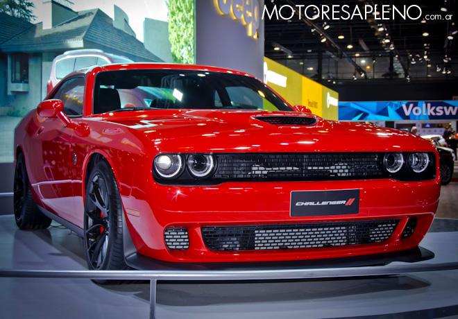 Dodge Challenger SRT Hellcat en el Salon del Automovil de Buenos Aires 2017
