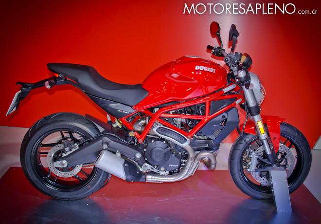 Ducati Monster 797 en el Salon del Automovil de Buenos Aires 2017 2