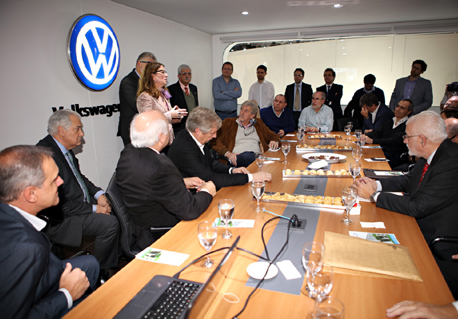 El Instituto Dr Ferdinand Porsche estuvo presente en el Salon del Automovil 1