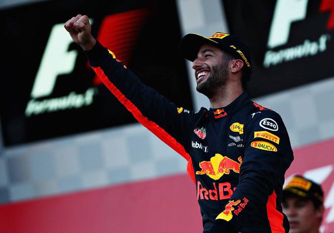 GP de Azerbaiyán de Fórmula 1 – Carrera: Ricciardo sacó partido de los golpes entre Hamilton y Vettel.
