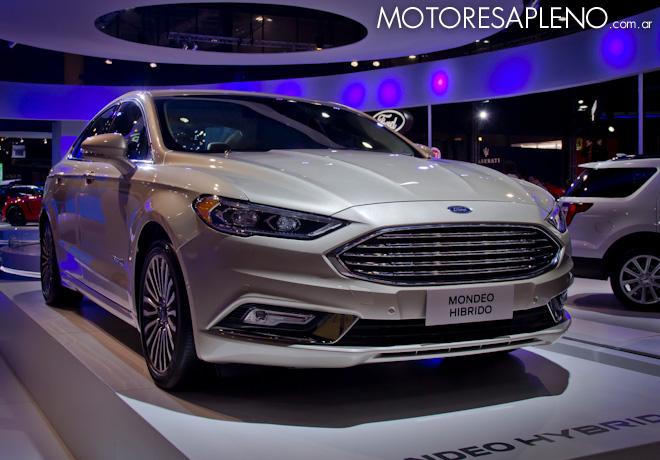 Ford Mondeo Hibrido en el Salon del Automovil de Buenos Aires 2017