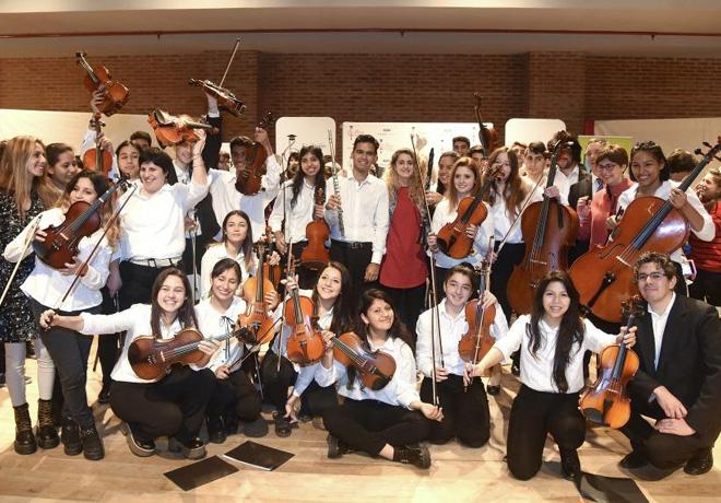 Ford Motor Company Fund y la Fundacion Cultural Latin Grammy apoyan a la educacion musical en Buenos Aires 3