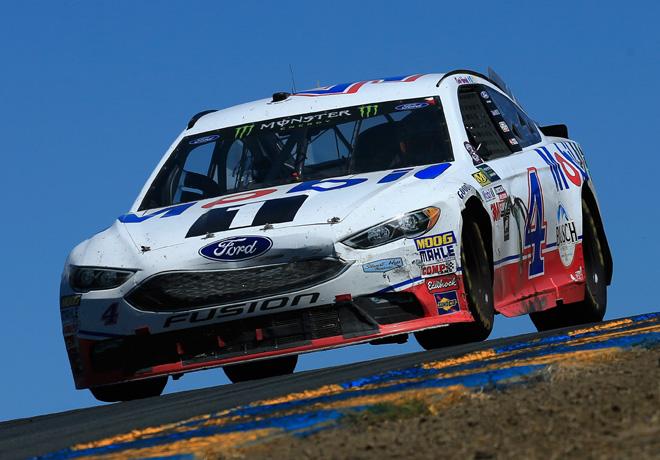 NASCAR en Sonoma – Carrera: Primera victoria de Kevin Harvick en esta temporada.