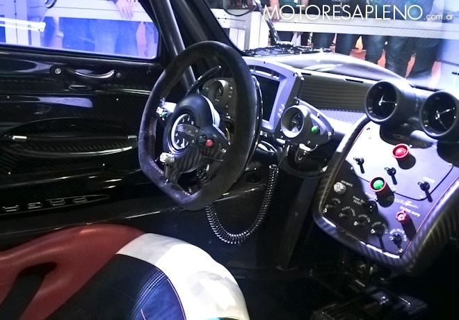 Pagani Zonda Revolucion - Black Minion - en el Salon del Automovil de Buenos Aires 2017 4