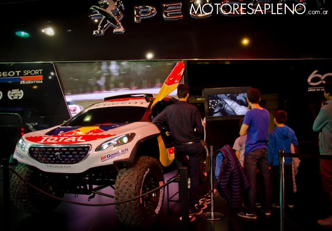 Peugeot 3008 DKR Simulador en el Salon del Automovil de Buenos Aires 2017