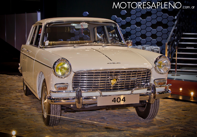 Peugeot 404 en el Salon del Automovil de Buenos Aires 2017