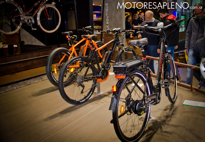 Peugeot Bicicletas en el Salon del Automovil de Buenos Aires 2017