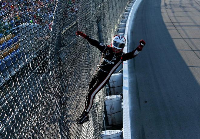 IndyCar - Iowa 2017 - Carrera - Festejo de Helio Castroneves