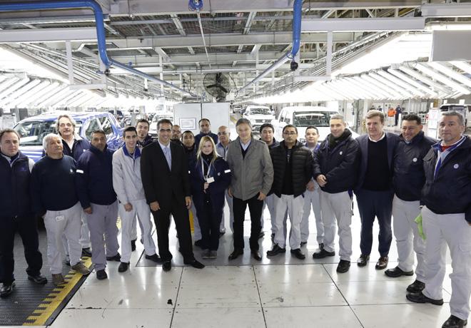 Volkswagen Argentina recibio en su planta de General Pacheco al Ministro Cabrera