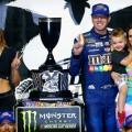 NASCAR - Bristol 2017 - Kyle Busch en el Victory Lane