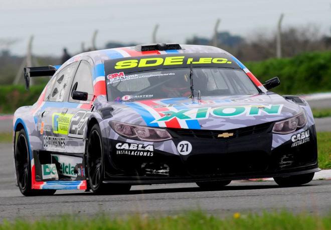 Top Race en Rosario – Carrera: Ganó Altuna y alcanza el liderazgo del campeonato.