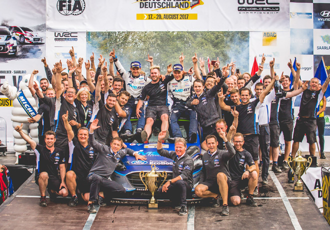 WRC - Alemania 2017 - Final - Ott Tanak y el equipo M-Sport en el Podio