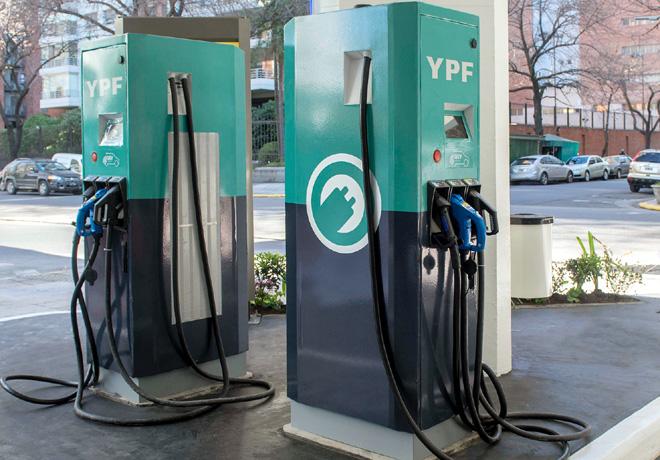 YPF instalo los primeros surtidores electricos en el pais 1