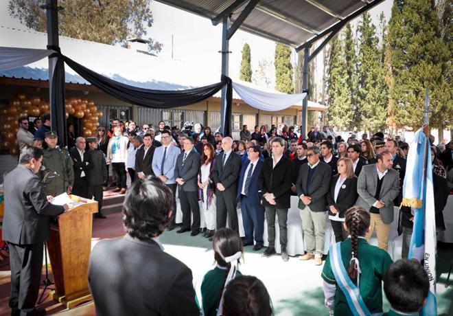 Ford y sus Concesionarios reinauguraron en San Juan su Escuela Rural Numero 25 1