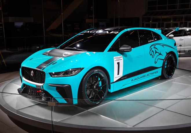 Jaguar Land Rover presentó un auto de competición totalmente eléctrico en el Salón de Frankfurt.