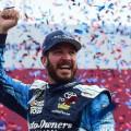 NASCAR - Charlotte 2017 - Martin Truex Jr en el Victory Lane