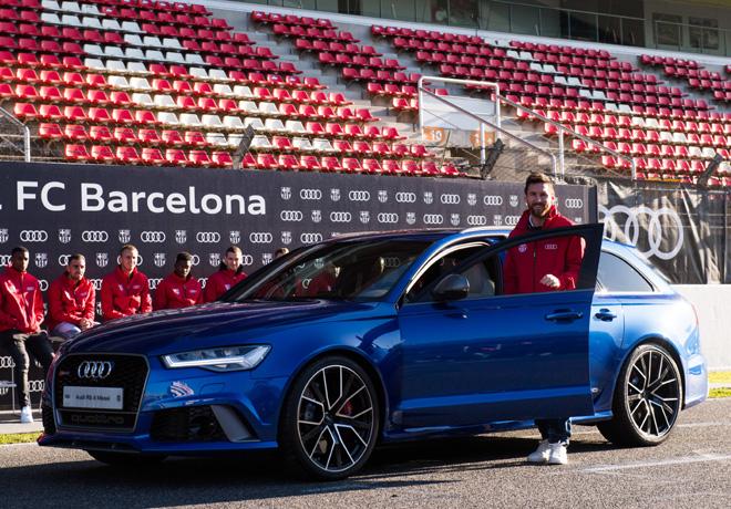 Los jugadores del FC Barcelona recibieron sus nuevos Audi - Lionel Messi