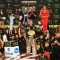 NASCAR - Homestead 2017 - Martin Truex Jr -Campeon- en el Victory Lane