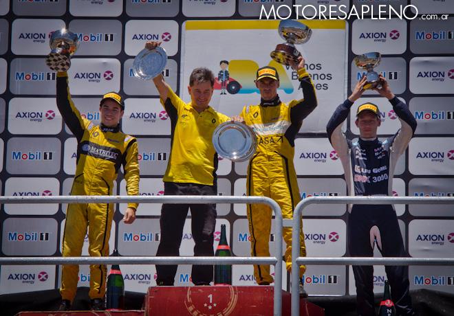 TC2000 - Buenos Aires III 2017 - Carrera - Gabriel Gandulia - Mariano Pernia - Marcelo Ciarrocchi en el Podio